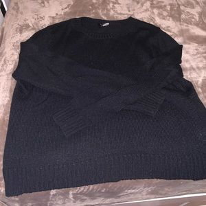 Sweaters - Black crew neck sweater